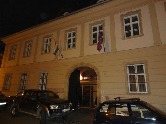 Buda Castle Fashion Hotel: Hotel von außen
