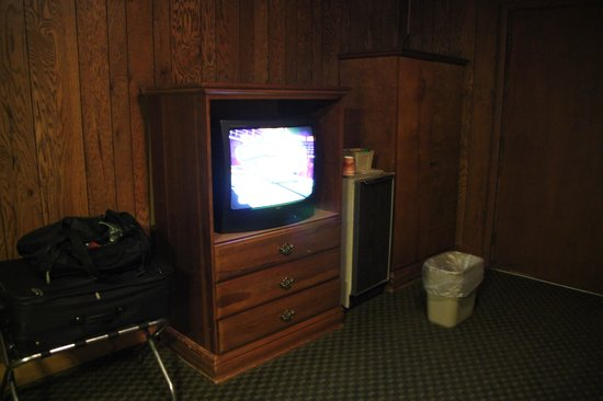 Brookside Resort : TV