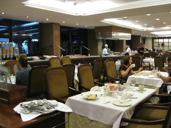 Barcelo Guatemala City: Part of the buffet and inside dining