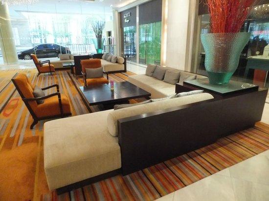 Holiday Inn Bangkok Silom: Lobby area