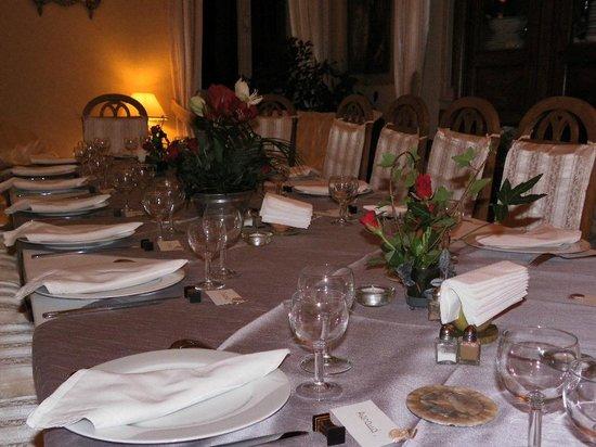 Chateau de Camperos : Table très bien dressée