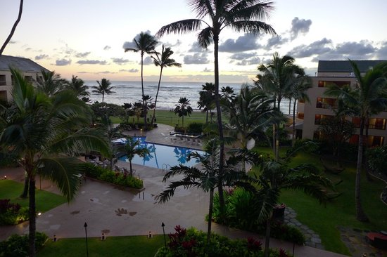 Courtyard Kaua'i at Coconut Beach: View from our room at sunrise the second morning