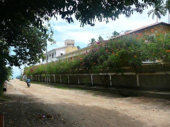 Peroba Villa Hotel: Lateral  del hotel