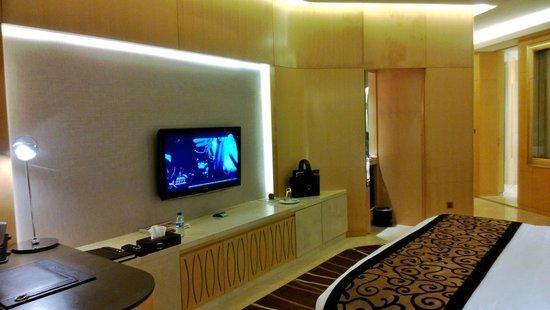 The Meydan Hotel: номер стандарт