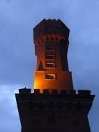 L'Auberge : Torre Iluminada