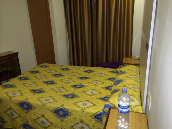 Hostal Atenas : Bed