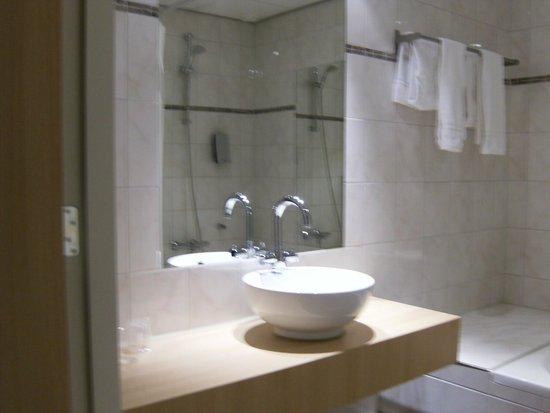 Queen Hotel Cafe Restaurant: toilet