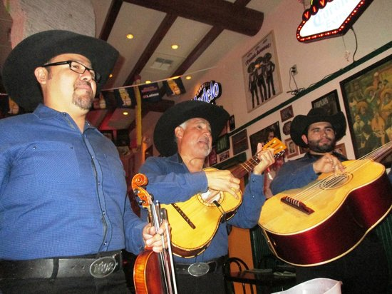 Hussong's Cantina: Entertainment
