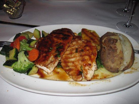 Photo of American Restaurant Val's Restaurant & Lounge at 2468 Junipero Serra Blvd, Daly City, CA 94015, United States