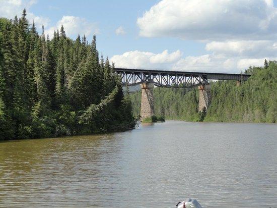 Neys Provincial Park : Rail bridge over the Little Pic river