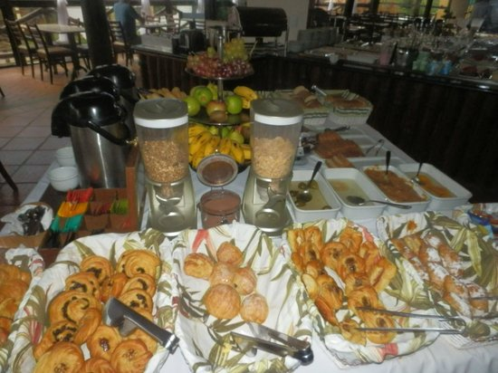 Rio Buzios Beach Hotel: Desayuno..... Poderoso!!!!!!!!!!!!!!