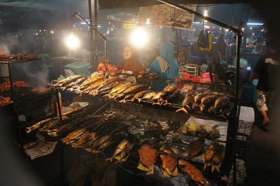 The Brunei Hotel : Night food-market