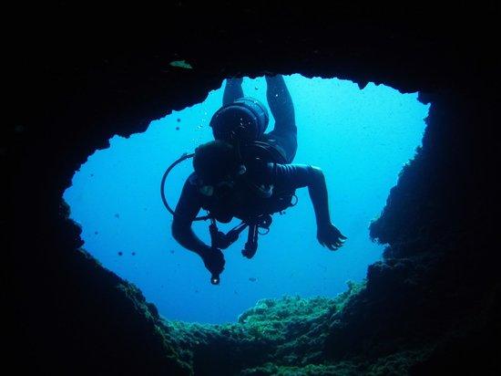 Bluewater Scuba : Cave