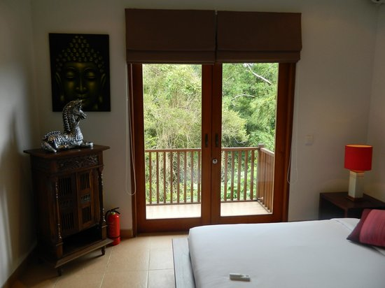Sahaja Sawah Resort : Indah 3 bedroom and outside view