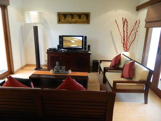 Sahaja Sawah Resort: Indah 3 livingroom