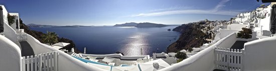 Kirini Santorini: Incredible view!
