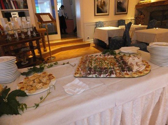 Hotel Dolomiti: 毎日午後提供されるデザートビュッヘ