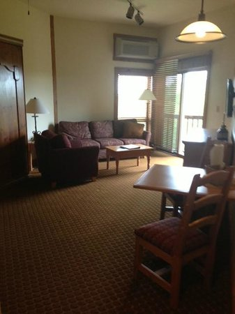 Worldmark Galena: View from kitchen to living room & balcony