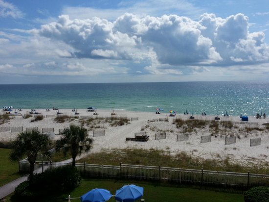 Hampton Inn Pensacola Beach: view from balcony
