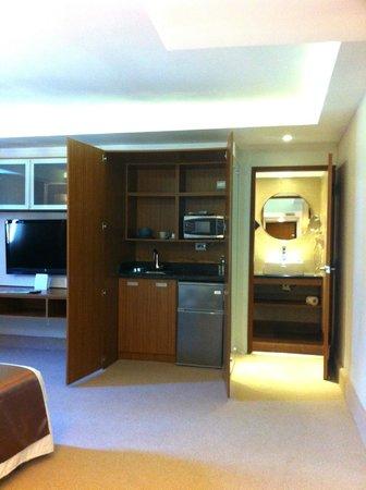 Weston Suites Hotel: Mini cocina en la habitación