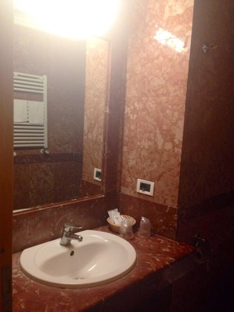 Champagne Palace : Bathroom