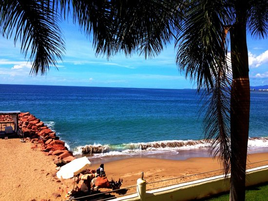 Plaza Pelicanos Grand Beach Resort: The gorgeous view from our suite.