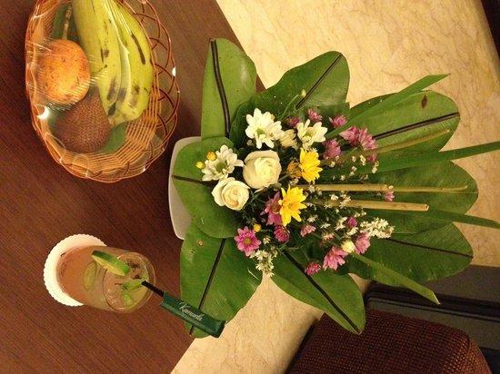Kamuela Villas and Suite Sanur: Welcome flowers