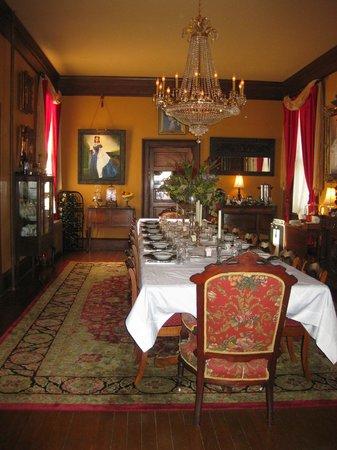 The Reynolds Mansion : Breakfast