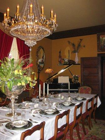 The Reynolds Mansion : Dining room
