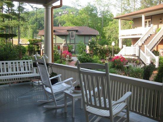 The Reynolds Mansion : Back porch
