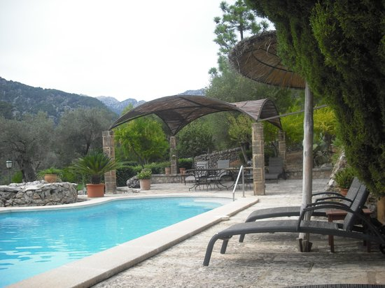 Finca Es Castell: The pool and the peace