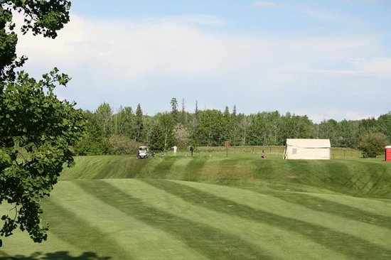Woking, Canada: Chinook Valley Golf Course
