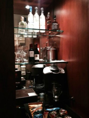 Andaz San Diego: in room bar