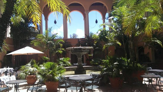 The Biltmore Hotel Miami Coral Gables : The Courtyard