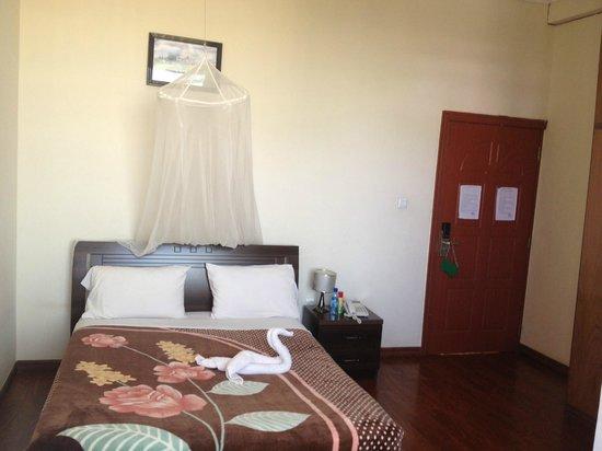 Homland Hotel: room
