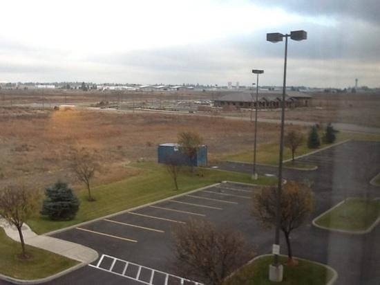 Hilton Garden Inn Spokane Airport: view of spokane airport from 3rd floor room.