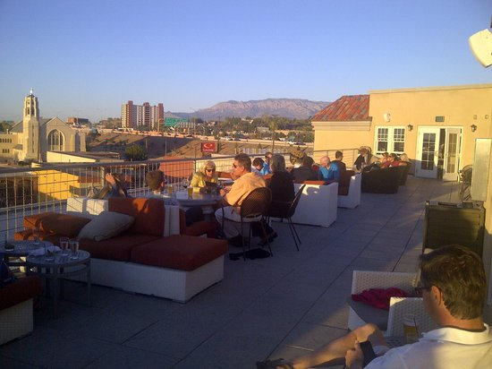Hotel Parq Central : rooftop patio