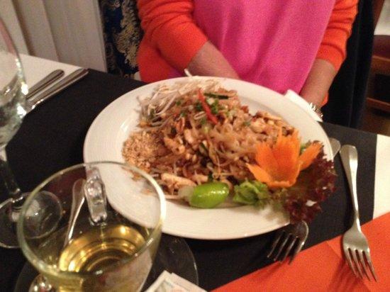 Restaurant Golden Thai Food: My wife's meal