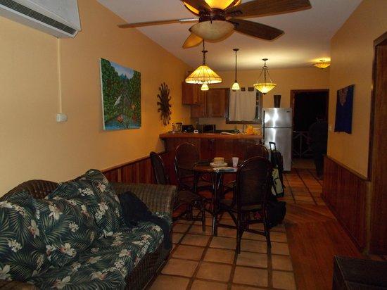 Captain Morgan's Retreat: Living Room