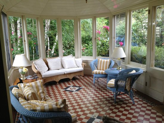 Erindale Guest House: The conservatory is magnificent.