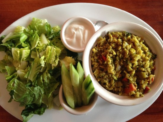 Hugo's : Mung beans & rice casserole, served with yogurt sauce