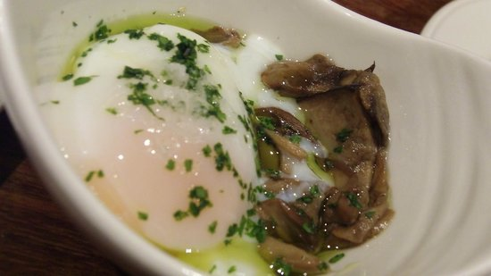 Atari Gastroteka: slow cooked poached egg perfection