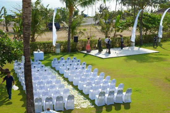 Shalimar Villas : Ceremony area out the front of Villa Kalima