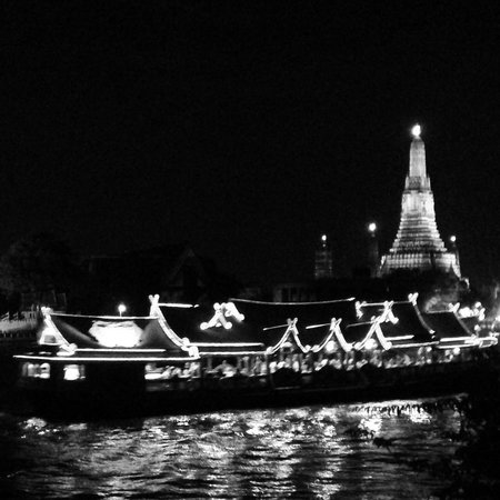Chakrabongse Villas: view of Wat Arun from our private balcony