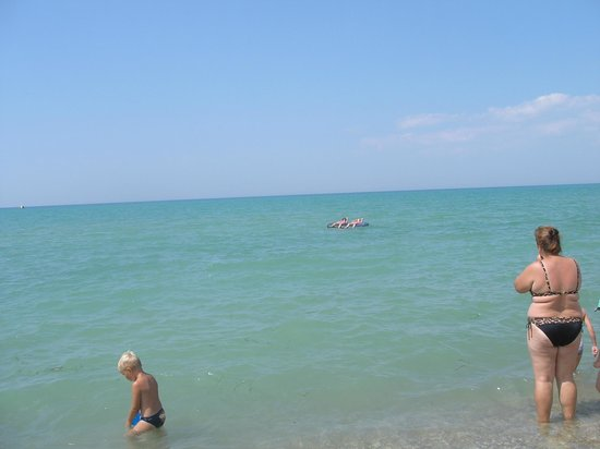 Novofederovka Beach: Тихое и спокойное Черное море пгт.Новофёдоровка.