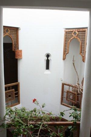 Dar Liouba : Foso de escaleras / Stair well