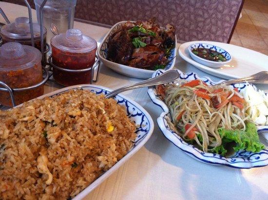 Thai Taste: Papaya Salad, Chicken Fried Rice and Duck