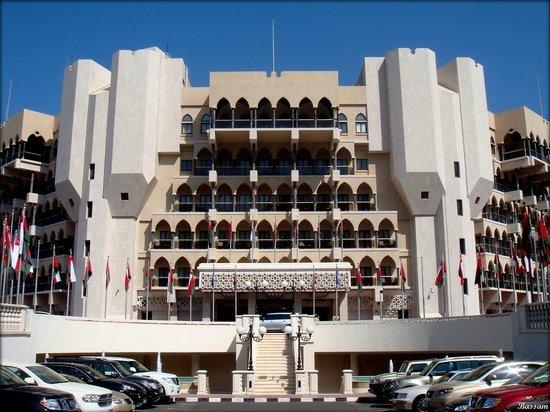 Al Bustan Palace, A Ritz-Carlton Hotel: Exterior