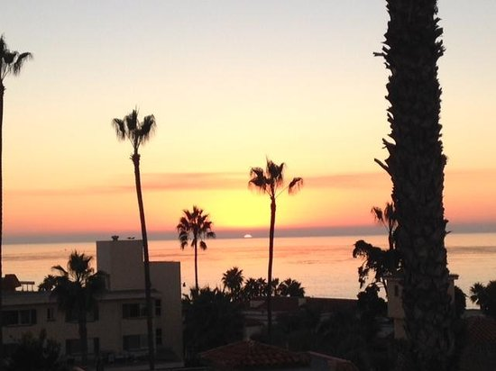 Grande Colonial La Jolla: sunset from our room