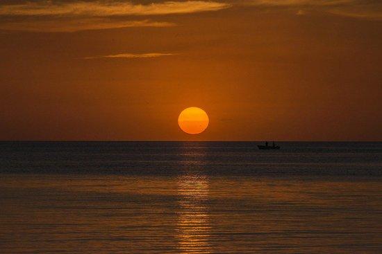 Belize European Adventures: Beautiful sunsets